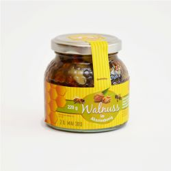Walnuss im Honig